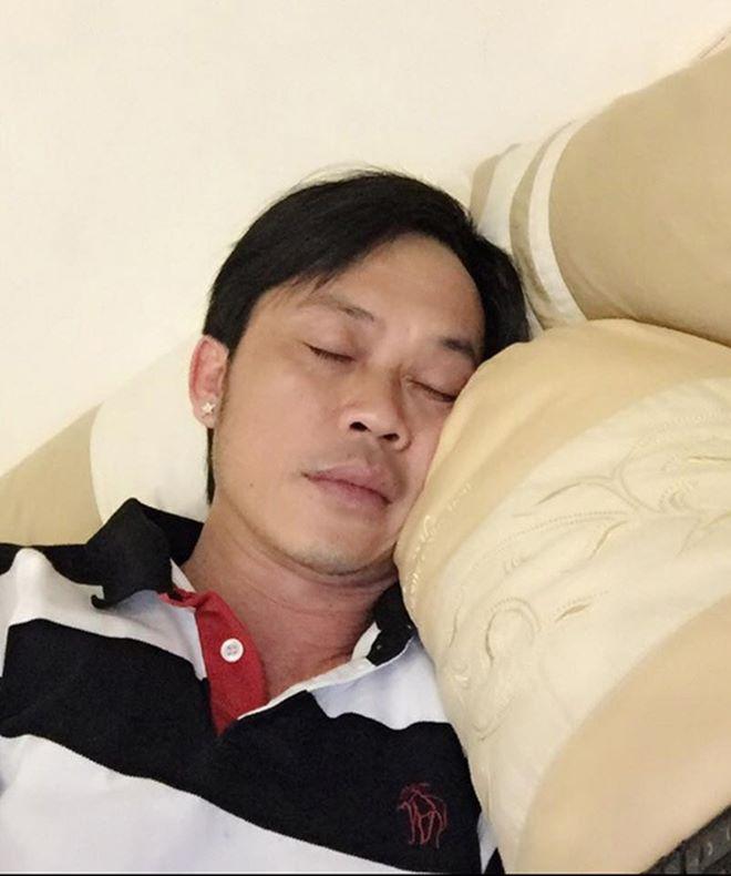 """Những lần danh hài Hoài Linh lộ ảnh """"giường chiếu"""" - 7"""