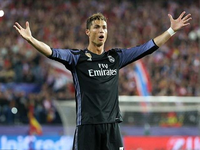 Số 9 Ronaldo: Siêu cáo già trong khu cấm địa