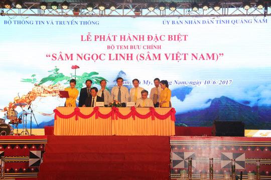 Bán được củ sâm giá 120 triệu đồng tại lễ hội sâm Ngọc Linh - 1