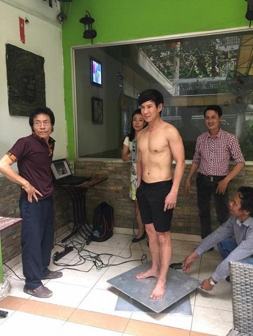 """Ngấp nghé U50, ngoài Đan Trường, Hoài Linh cũng là """"soái ca"""" cơ bắp - 7"""