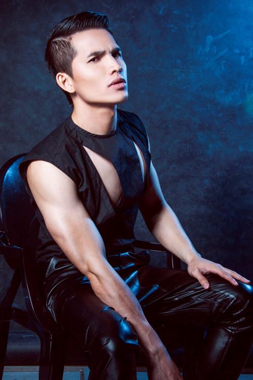 """Ngấp nghé U50, ngoài Đan Trường, Hoài Linh cũng là """"soái ca"""" cơ bắp - 15"""