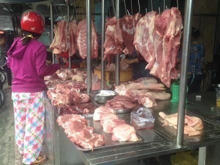 Thịt heo giảm giá: Nơi tấp nập, chỗ vắng hoe - 4