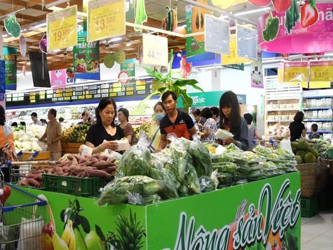 Siêu thị Co.opmart bù lỗ để giảm giá nông sản mùa mưa - 2