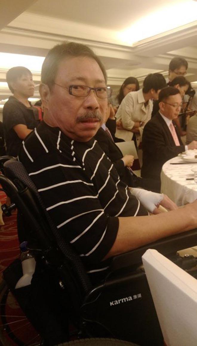 Ông hoàng màn ảnh Đài Loan: Khi trẻ vinh hoa phú quý, về già bệnh tật ngồi xe lăn - 1