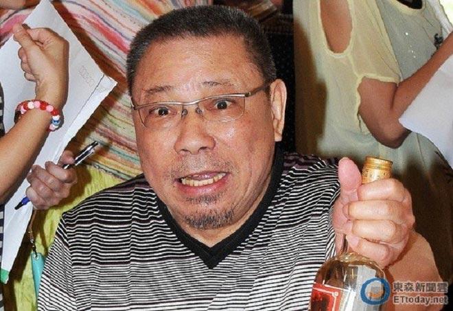 Ông hoàng màn ảnh Đài Loan: Khi trẻ vinh hoa phú quý, về già bệnh tật ngồi xe lăn - 3