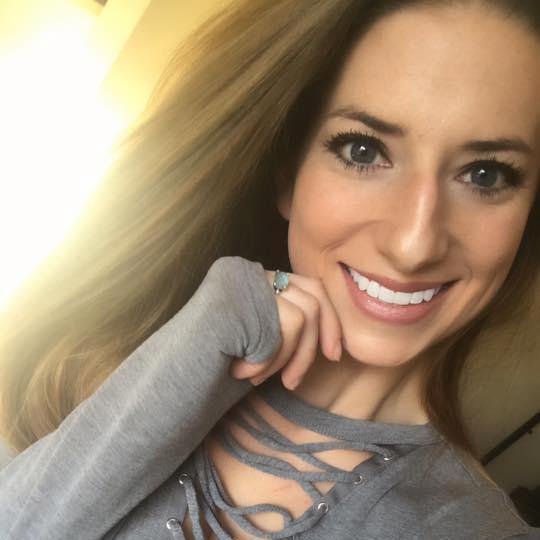 Mỹ: Nữ giáo viên xinh đẹp ra tòa vì quan hệ với 3 nam sinh - 3