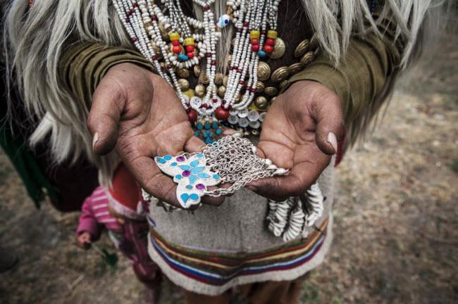 Bí ẩn về bộ tộc thoải mái đổi vợ sống trên dãy Himalayas - 2