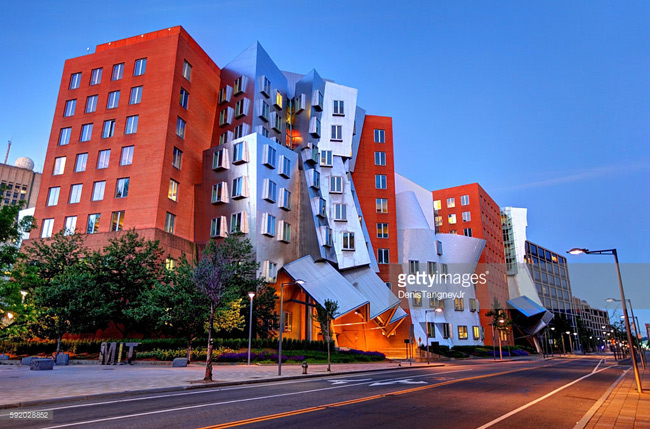 Theo kết quả xếp hạng năm 2018 của QS mới đây, Viện Công nghệ Massachusetts (MIT) tiếp tục được xếp hạng là trường đại học có chất lượng giáo dục tốt nhất thế giới 6 năm liên tiếp.