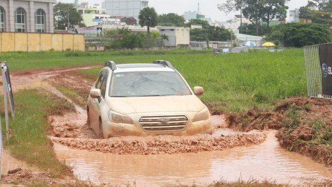 Offroad ngay giữa Sài Gòn với xe Subaru - 3
