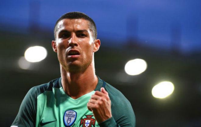 Ronaldo 4 lần trốn thuế, sắp lĩnh án tù 7 năm: Rộ tin tháo chạy về MU - 5