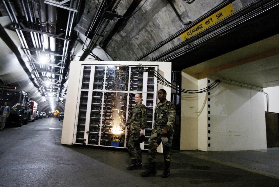 Bên trong hầm chống hạt nhân bí ẩn của giới chức Mỹ - 2