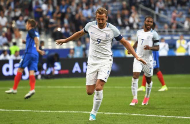 Pháp - Anh: Thẻ đỏ và cuộc rượt đuổi 5 bàn - 1