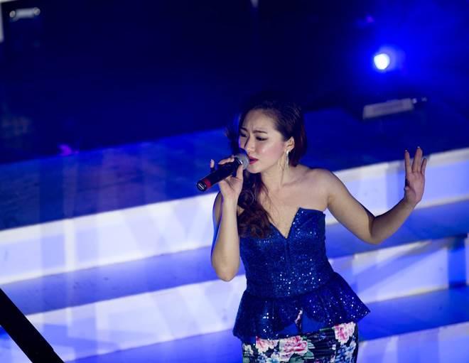 """Đồ diễn bốc lửa của """"cô gái Trung Hoa"""" Lương Bích Hữu - 11"""