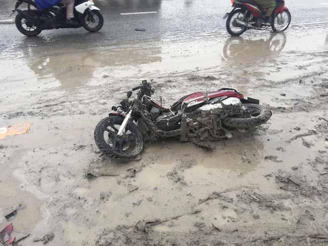 """2 người tử vong tại dốc cầu """"chết chóc"""" ở Sài Gòn - 4"""
