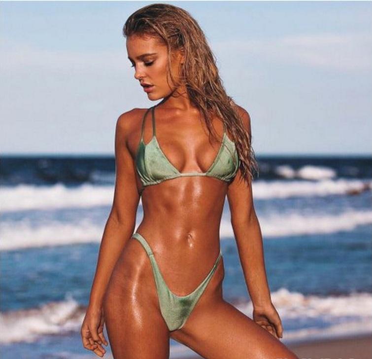 """Bồ đẹp của siêu sao Liverpool mê bikini chỉ đủ che """"chỗ hiểm"""" - 4"""