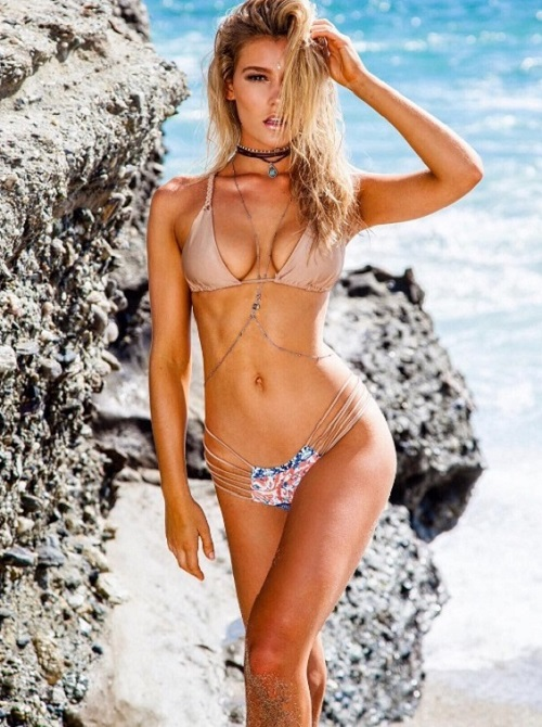 """Bồ đẹp của siêu sao Liverpool mê bikini chỉ đủ che """"chỗ hiểm"""" - 9"""