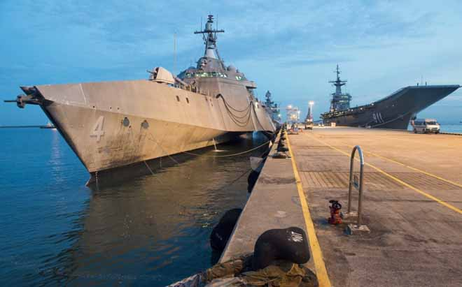 """Uy lực chiến hạm """"quái vật"""" 3 thân của Mỹ đến Việt Nam - 4"""