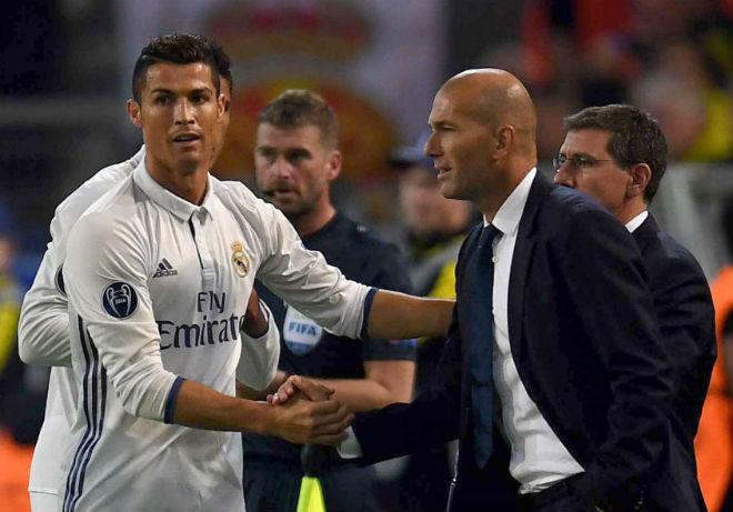 """Real thanh lý toàn SAO bự: Ronaldo """"gãy cánh"""" rơi tự do - 2"""