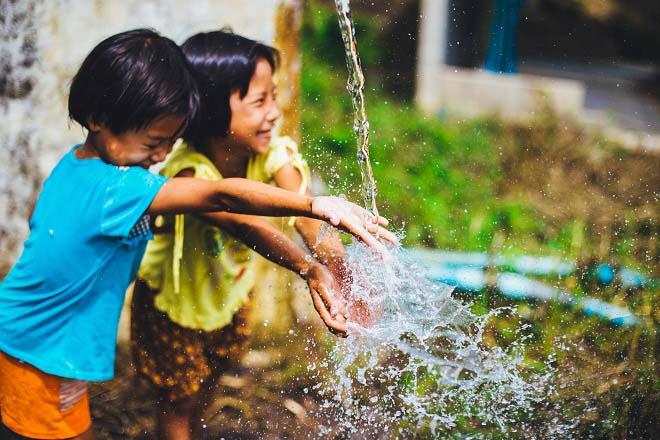 Cách nuôi dạy con thành đứa trẻ hạnh phúc càng ngẫm càng thấm thía - 1