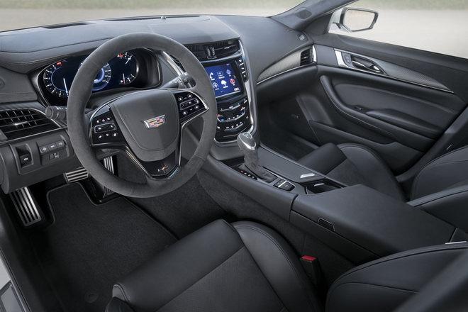 Cadillac CTS-V Carbon Black Edition có giá 3 tỷ đồng - 2