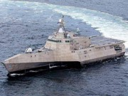 """Uy lực chiến hạm """"quái vật"""" 3 thân của Mỹ đến Việt Nam"""