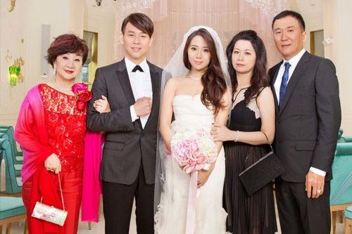 """Châu Tấn ly hôn vì chồng """"tòm tem"""" và những vụ ngoại tình ồn ào nhất - 8"""
