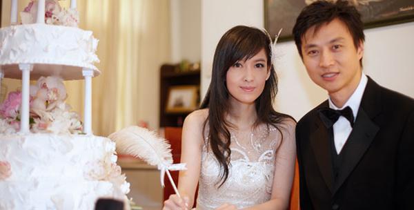 """Châu Tấn ly hôn vì chồng """"tòm tem"""" và những vụ ngoại tình ồn ào nhất - 6"""