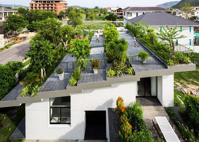 Căn biệt thự độc đáo tọa lạc tại thành phố biển Nha Trang này là tác phẩm của kiến trúc sư Võ Trọng Nghĩa và Masaaki Iwamoto.
