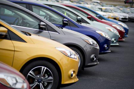 Giá ô tô tại Việt Nam vẫn cao gấp đôi Thái Lan, Singapore - 1