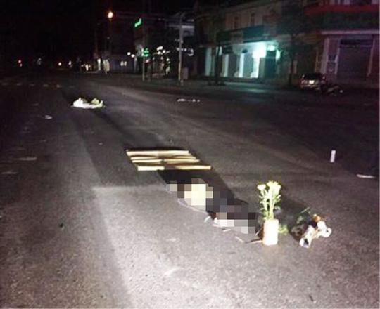 Bàng hoàng phát hiện 1 phụ nữ chết lõa thể giữa đường - 1