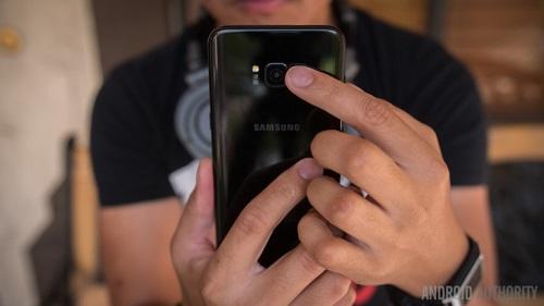 """So sánh HTC U11 với Galaxy S8: """"Hậu sinh ... chưa khả úy"""" - 4"""