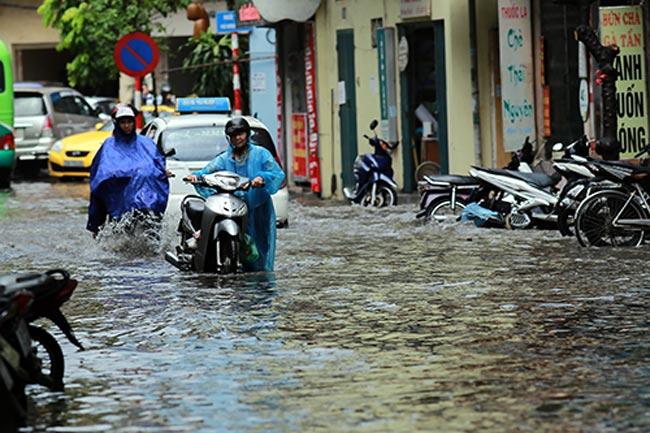 Mưa lớn kéo dài, miền Bắc nguy cơ ngập lụt nhiều nơi - 1
