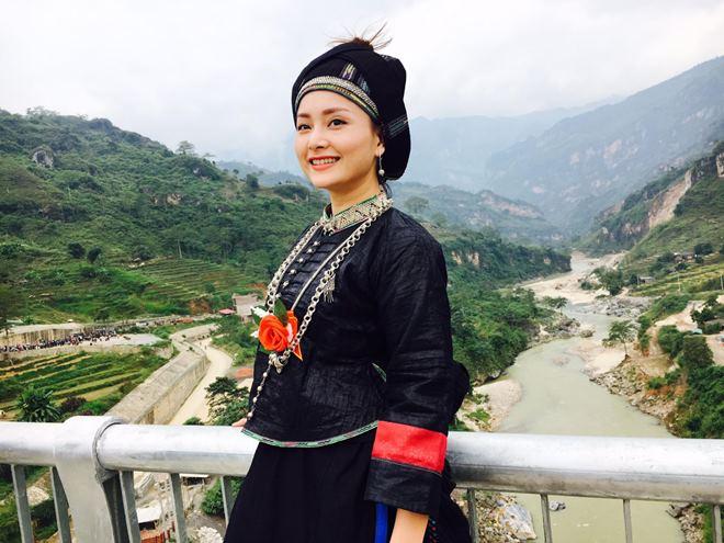 Người yêu tin đồn Noo Phước Thịnh hóa mỹ nữ vùng cao - 8