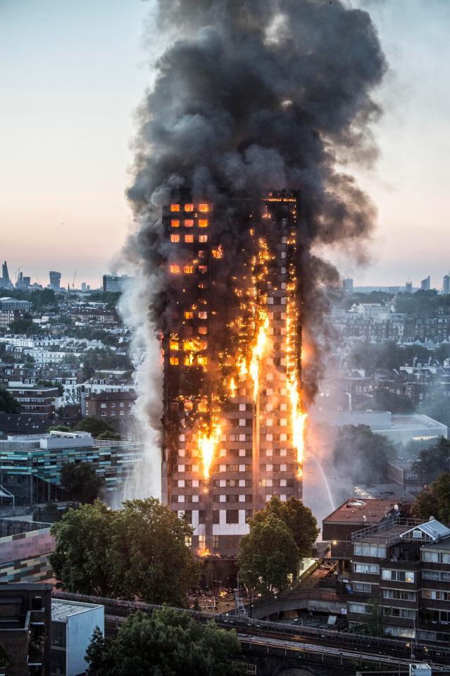 Hình ảnh ghê sợ bên trong chung cư London bị lửa thiêu - 1