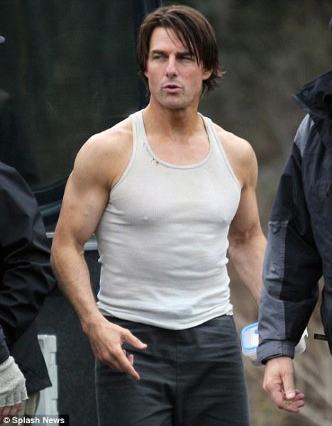 U60 Tom Cruise hé lộ tuyệt kỹ giữ phong độ trước các người tình màn ảnh - 16