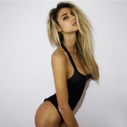 Mỹ nữ từng tắm tiên cùng Justin Bieber tẽn tò vì tụt bikini - 12