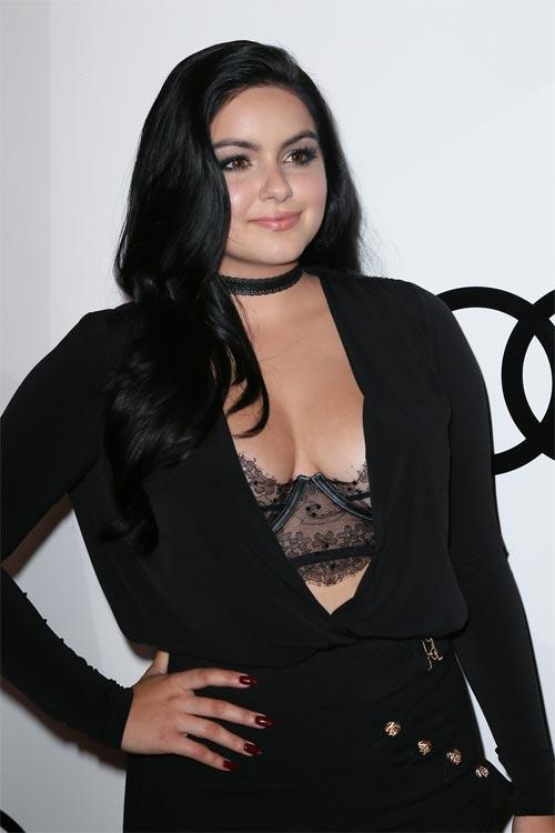 Cô béo đẹp nhất Hollywood khoe nội y ngày càng lộ liễu - 6