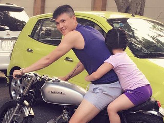Thuỷ Tiên phân trần việc Công Vinh bị chỉ trích vì vi phạm luật giao thông