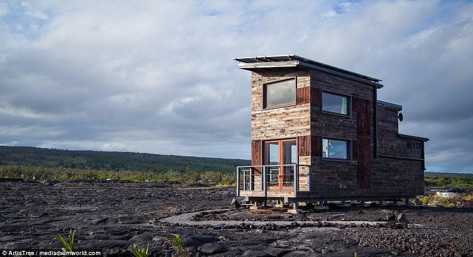 Ai đủ dũng cảm để ngủ lại ngôi nhà dưới chân núi lửa này? - 1