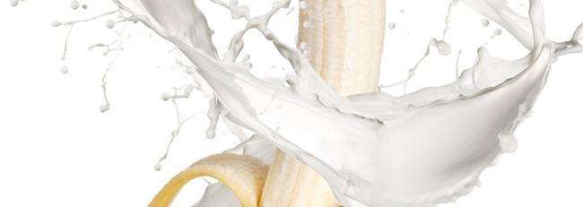 1. Chuối và sữa. Hai loại thực phẩm rất tốt cho sức khỏe này khi kết hợp với nhau lại tạo thành độc tố có hại cho sức khỏe. Khi ăn chuối kết hợp với sữa sẽ khiến cơ thể bạn khó chịu, nặng nề.
