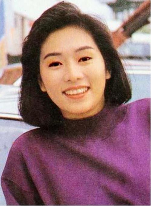 Phận đời 3 chìm 7 nổi của người đẹp duy nhất được Châu Tinh Trì thừa nhận yêu - 2