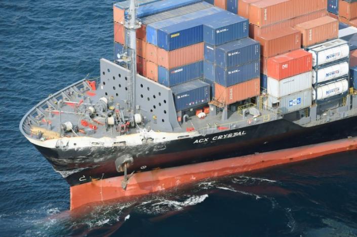 Va tàu hàng, tàu khu trục Mỹ hỏng nặng, thủy thủ bị thương - 2