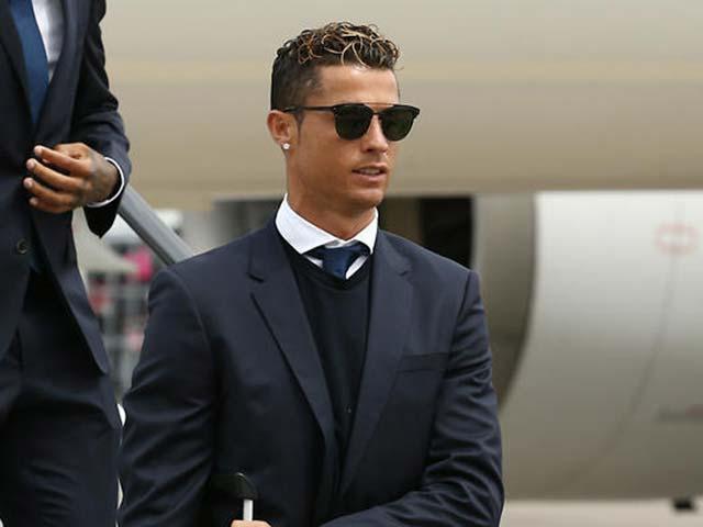 Thuyết âm mưu Ronaldo đòi rời Real: Vòi tiền, hay bị