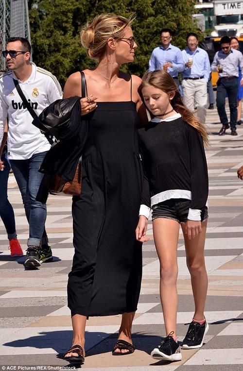 Con gái ông trùm F1 càng lớn càng xinh! - 4