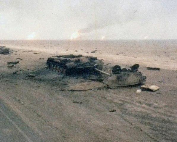 Chiến tranh vùng Vịnh: Trận lớn nhất bom vùi đạn dập Iraq - 5