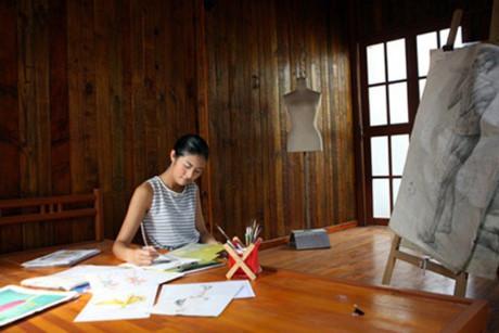 Hoa hậu Mỹ Linh, Thu Thảo cát-xê cao ngất vẫn ở nhà tập thể, căn hộ đơn sơ - 10