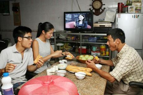 Hoa hậu Mỹ Linh, Thu Thảo cát-xê cao ngất vẫn ở nhà tập thể, căn hộ đơn sơ - 11