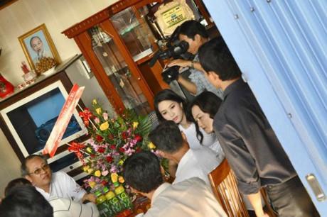 Hoa hậu Mỹ Linh, Thu Thảo cát-xê cao ngất vẫn ở nhà tập thể, căn hộ đơn sơ - 15
