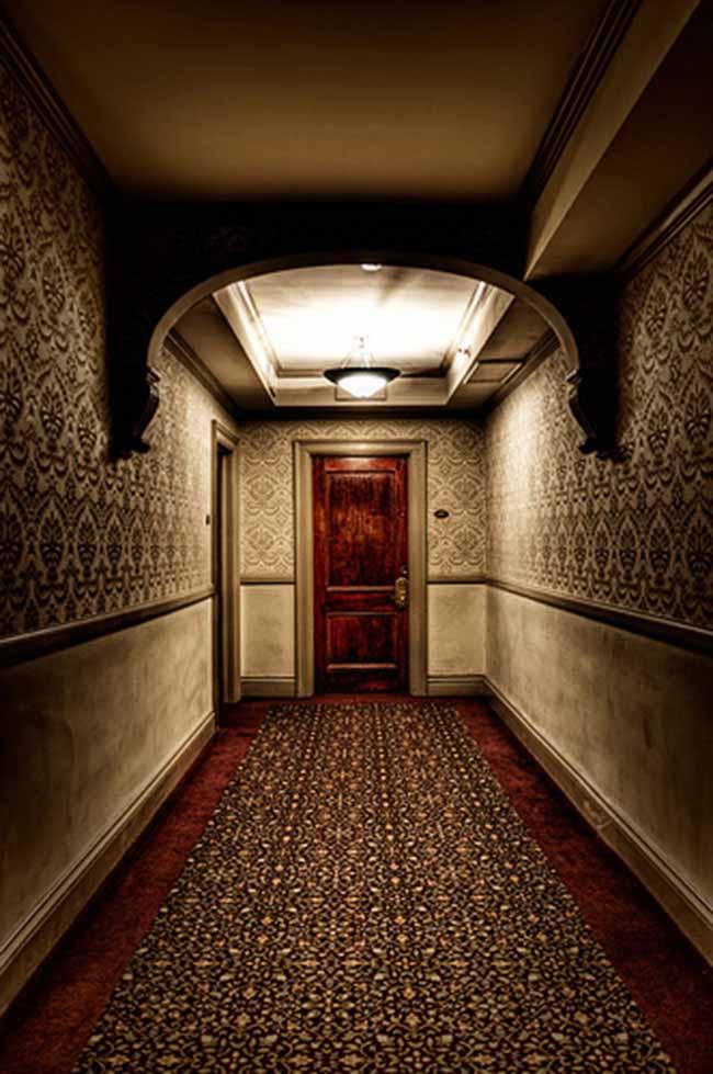 Bí mật bên trong khách sạn ma ám kỳ quái nhất nước Mỹ - 12