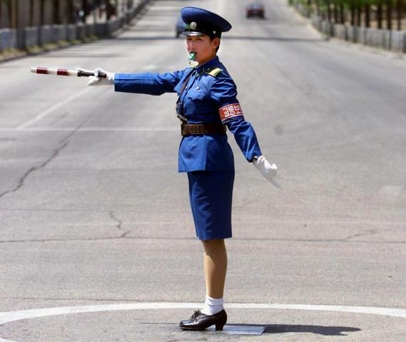 Điều kiện ngặt nghèo để thành nữ cảnh sát ở Triều Tiên - 4